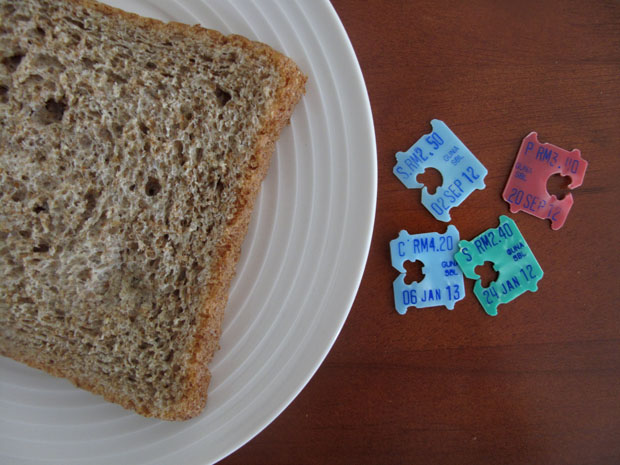 5 Practical Uses Of Bread Clips At The Office