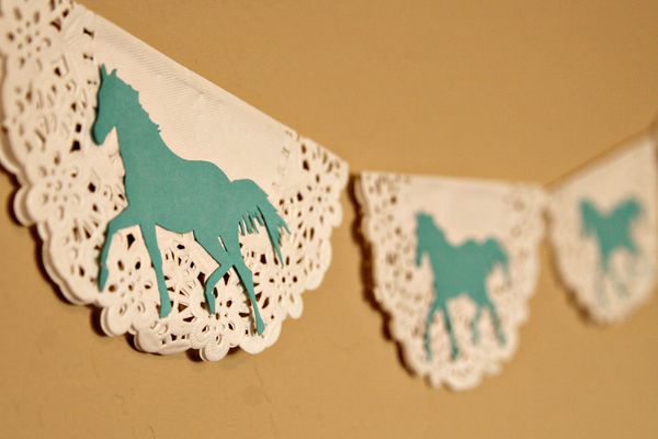 15 Decor And Food Ideas For A Horse Themed Party Jewelpie