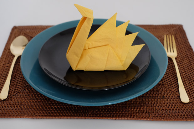 How to fold origami swan using napkins